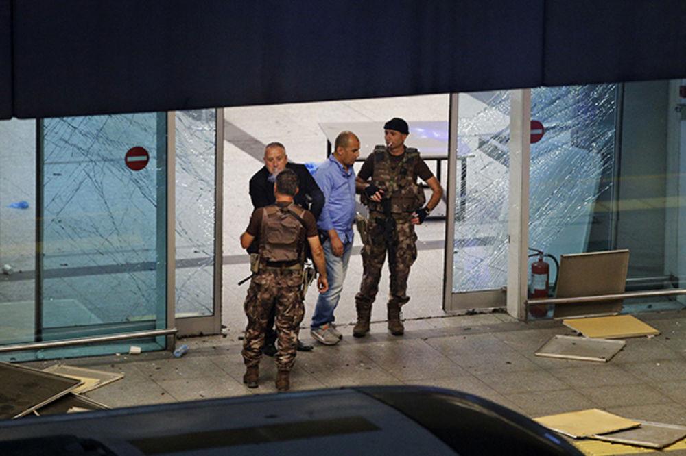 TURSKA POLICIJA: Islamska država stoji iza napada na aerodrom Ataturk?