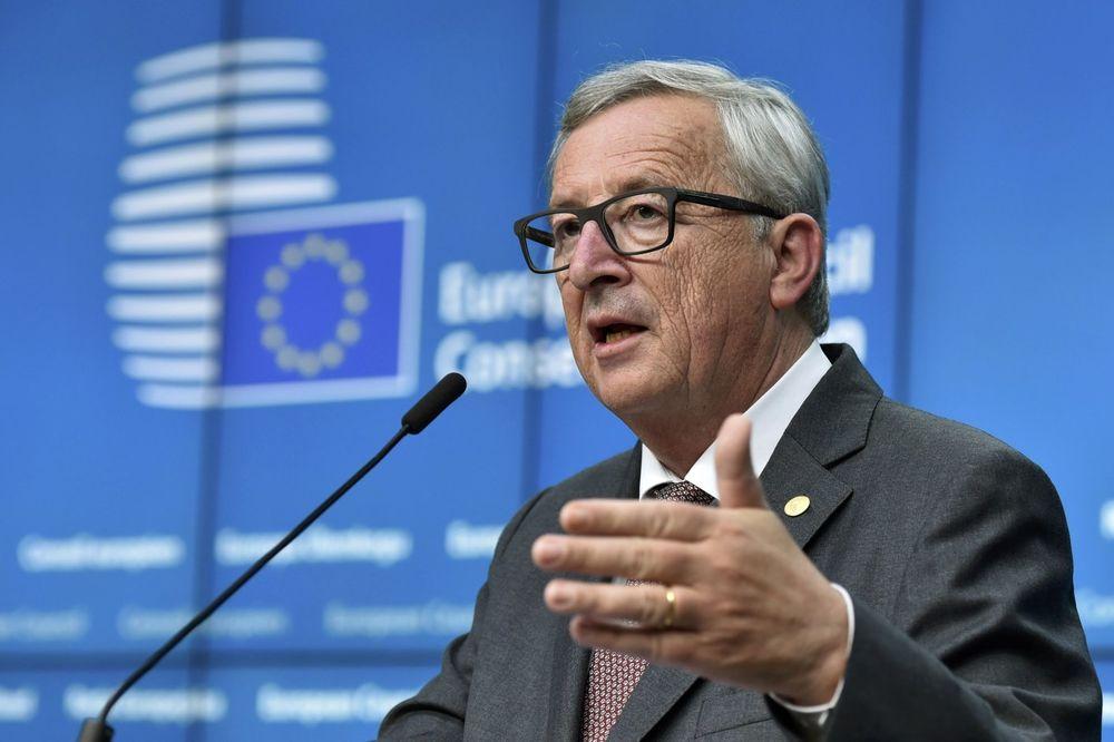 ERDOGAN NASTAVLJA SA HAPŠENJEM, JUNKER PRETI: Nećete tako skoro u EU!