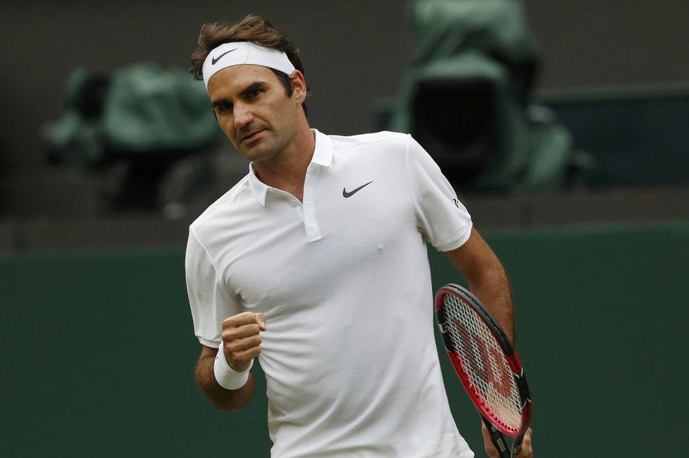 (VIDEO) DA SE ISTOPIŠ: Pogledajte kako se Federerova ćerka zabavlja dok tata igra