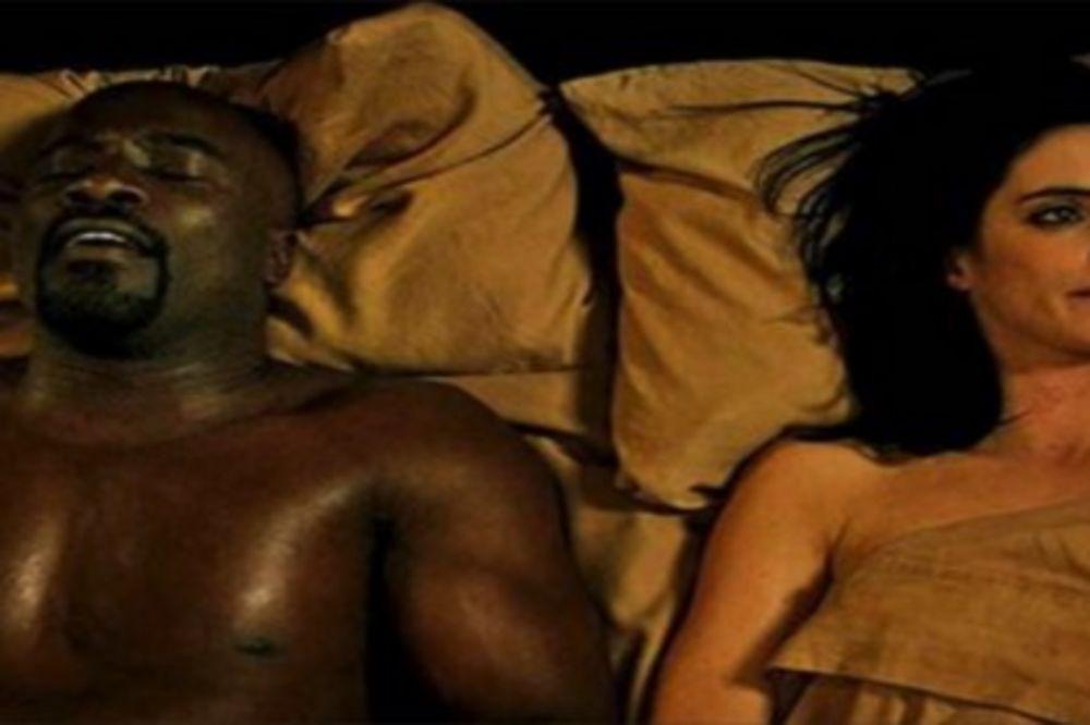 KAD SE GLUMCI ZANESU: 10 filmova u kojima su seks scene shvatili previše bukvalno!