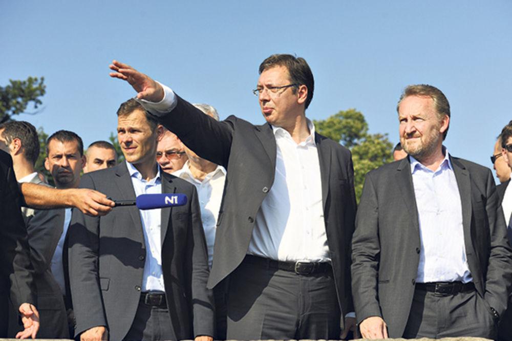 VRH SNS OŠTAR: Vučiću, ne daj da nas Bošnjaci više gaze!