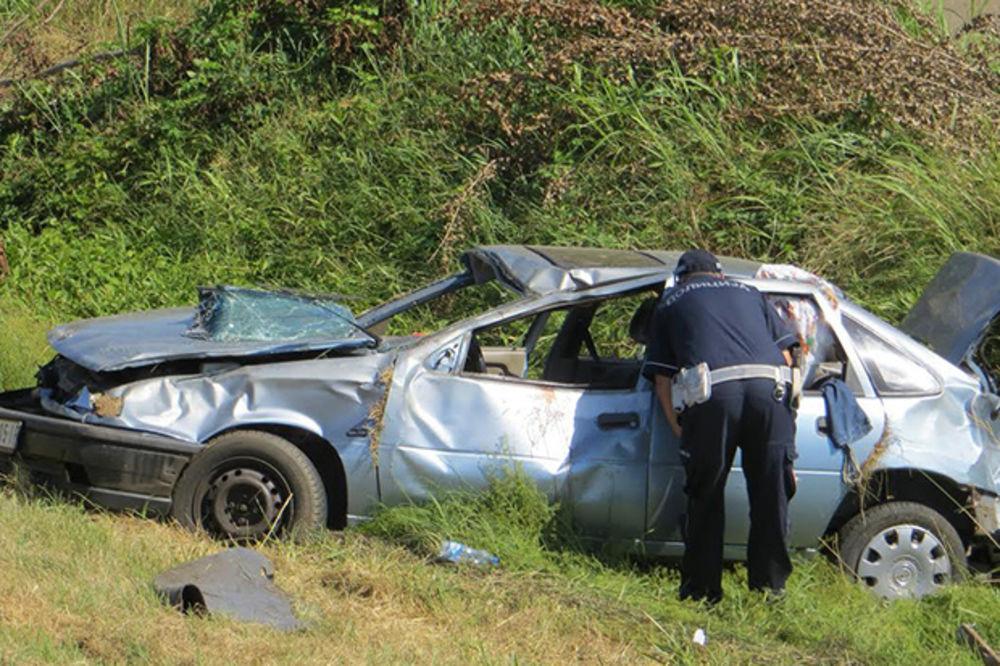 TEŽAK UDES NA AUTO-PUTU BEOGRAD-NIŠ: Vozač poginuo, supruga u teškom stanju