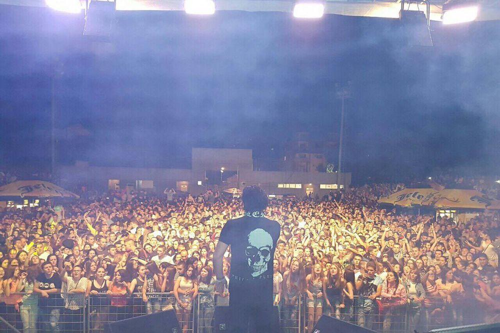 (KURIR TV) ACA LUKAS ODUVAO: Publika u Pirotu će ovaj nastup dugo pamtiti!