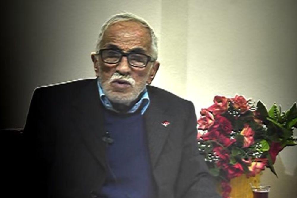 (VIDEO) ZA MUZIKU NIKAD NIJE KASNO: Ovaj deda je u 75. godini izdao prvi album