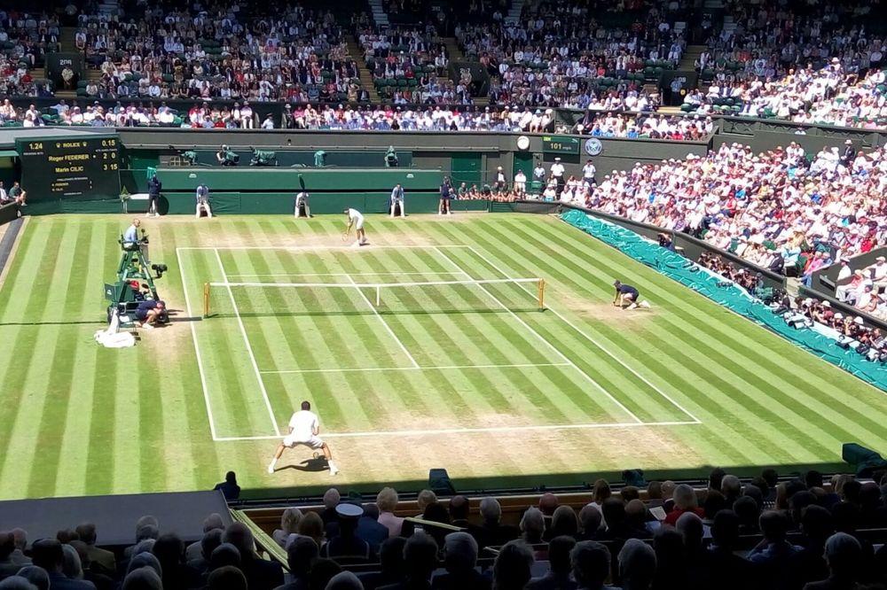 (KURIR TV) NEVIĐENA DRAMA: Federer gubio 0:2, spasao 3 meč lopte, pa izbacio Čilića!