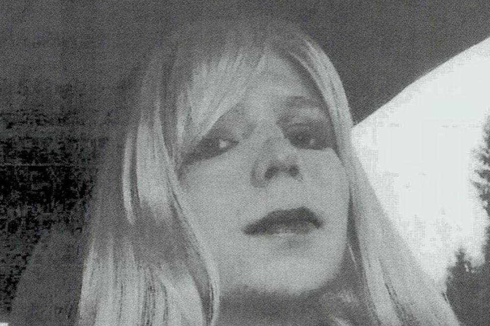 ODAVALA TAJNE VIKILIKSU: Špijun Čelsi Mening pokušala samoubistvo u vojnom zatvoru