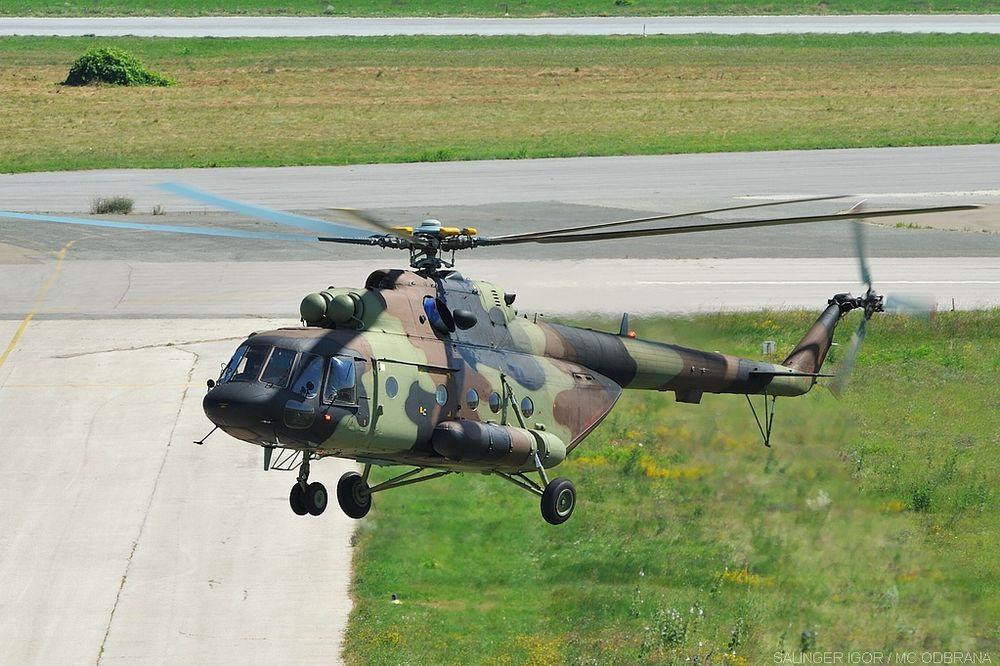 OBAVLJEN PRELET: Novi helikopteri Vojske Srbije sleteli na Batajnicu