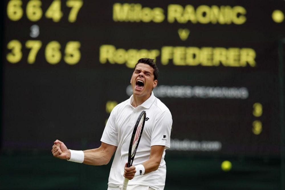 (VIDEO) CRNOGORAC POBEDIO ZA ĐOKOVIĆA: Raonić savladao Federera i plasirao se u finale Vimbldona