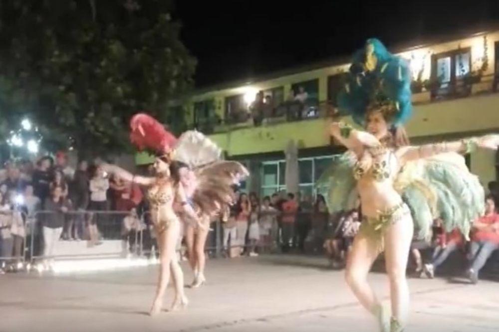 (VIDEO) KAO SAMBODROM U RIJU: Novosađanke guzama i vrelim plesom zapalile Leskovac!