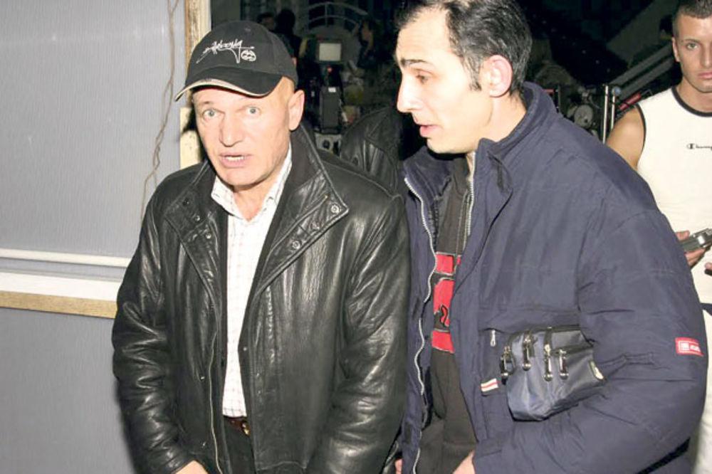 SKANDALOZNO: Šabanov sin traži 20.000 evra da pljuje oca!