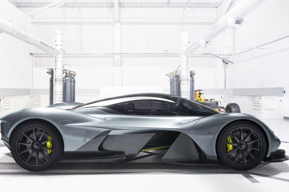 Rame uz rame sa Formulom 1: Ovo je novi najbrži automobil na svetu (FOTO, VIDEO)