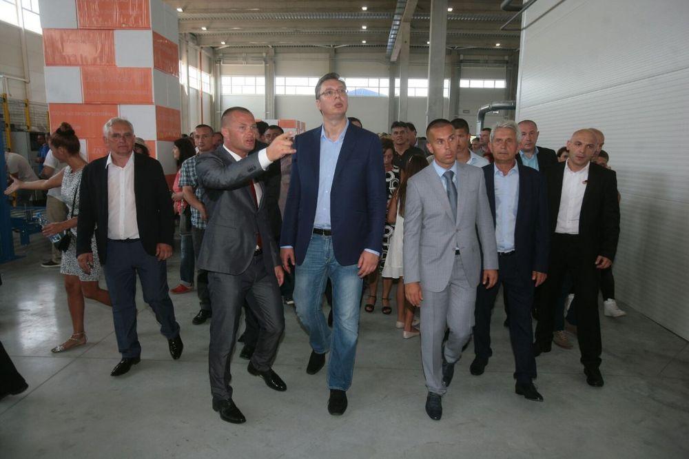 OTVORENA FABRIKA ZA PROZVODNJU STIROPORA Vučić: Imamo najbolju opremu i radnike, možemo sve!