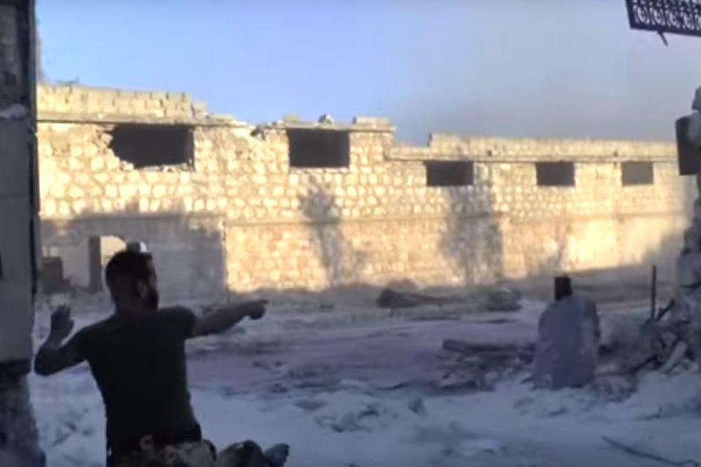 Kamera na liniji fronta: Evo kako stvarno izgledaju borbe za Alep (VIDEO)