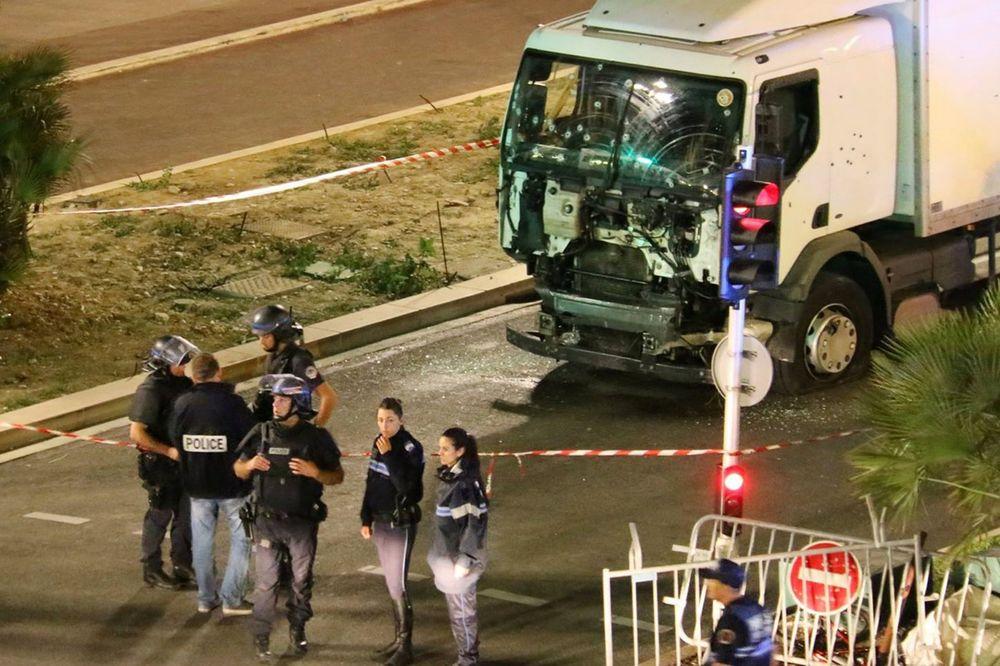 TERORISTA IZ NICE PREVARIO POLICIJU: Rekao im da isporučuje sladoled i oni ga pustili