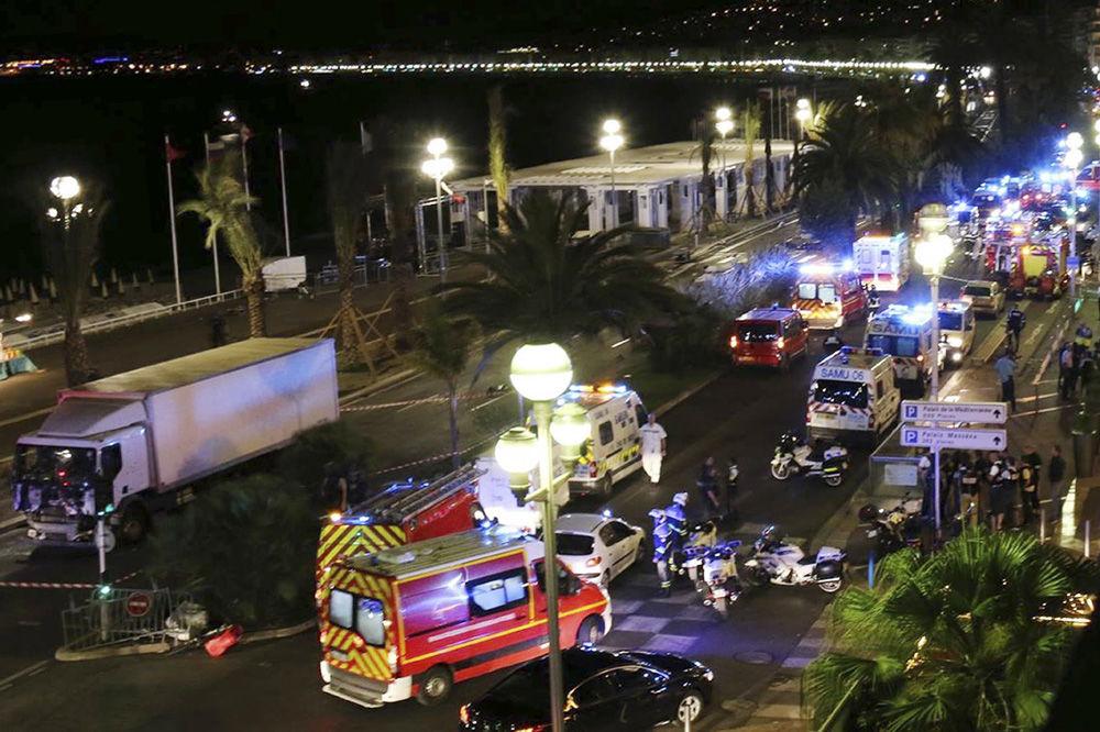POMAGALI TERORISTI: Uhapšena još dva muškarca zbog masakra u Nici