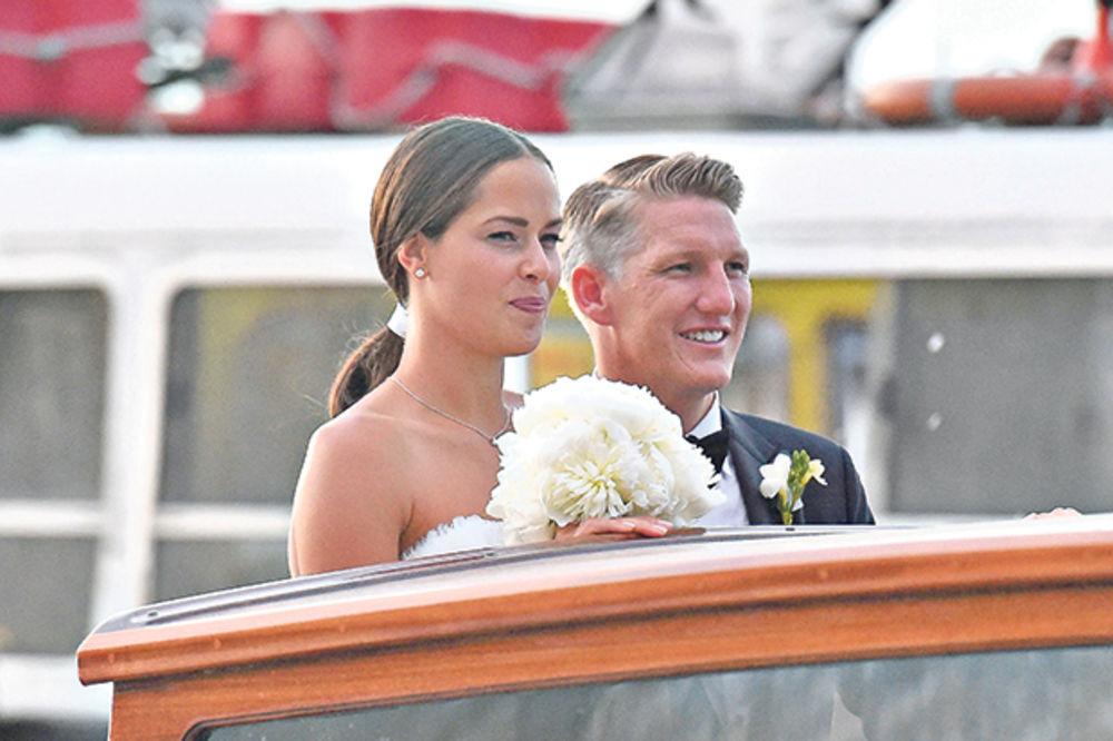 (FOTO) NEĆETE VEROVATI KOLIKO PLAĆAJU HOTEL: Pogledajte prve fotke Ane i Bastijana sa medenog meseca