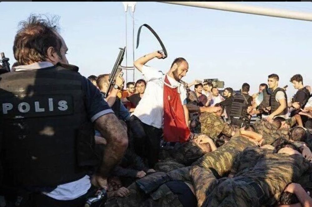 (UZNEMIRUJUĆE) BRUTALNA KAZNA: Ovako su se Erdoganove pristalice osvetile pučistima