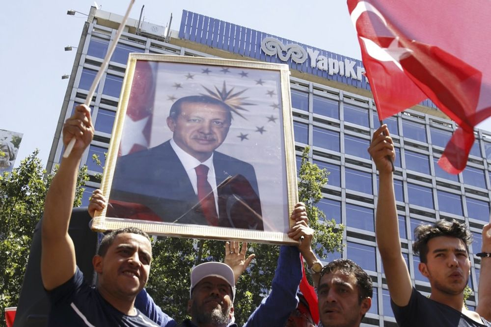 PUČ U TURSKOJ: Kontrolisani haos u Erdoganovoj režiji?