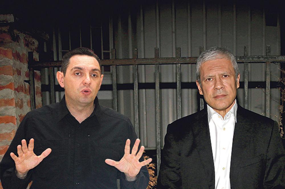 TADIĆ: Vlada učestvovala u pljački Železare VULIN: Tadić i kumovi su opljačkali Srbiju!