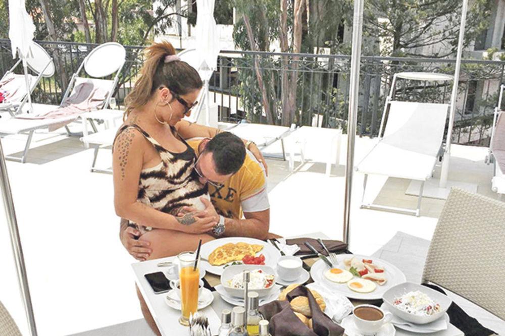SEKA ALEKSIĆ OTKRILA: Evo kako je Veljko tretirao suprugu pre, a kako tokom trudnoće