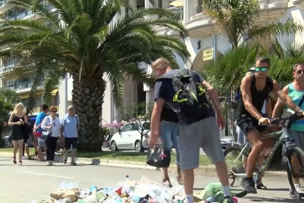 (VIDEO) BESNI FRANCUZI: Napravili memorijal ubici iz Nice da bi mogli da pljuju na njega