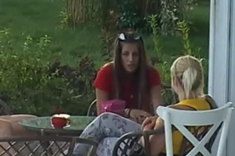 (FOTO) DALILA U SUZAMA, NE MOŽE DA SE SMIRI: Mladen uhvaćen u provodu sa drugom devojkom
