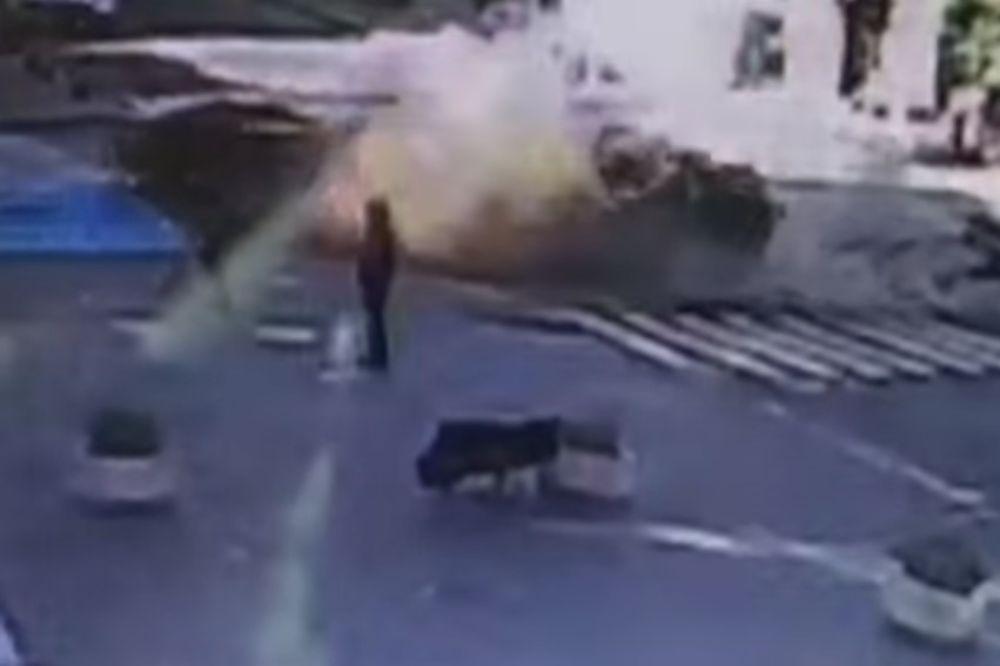 (VIDEO) KAMERE SNIMILE EKSPLOZIJU: Ovako je stradao ruski novinar u Kijevu