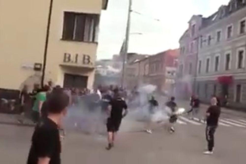 (VIDEO) NEVIĐENA MAKLJAŽA: Potukli se Slovaci i Slovenci, policija nemoćna da zaustavi tuču