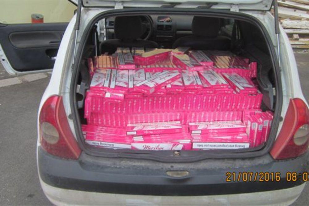 ZAPLENA U KRUŠEVCU: U automobilu pronađeno 6.500 paklica cigareta