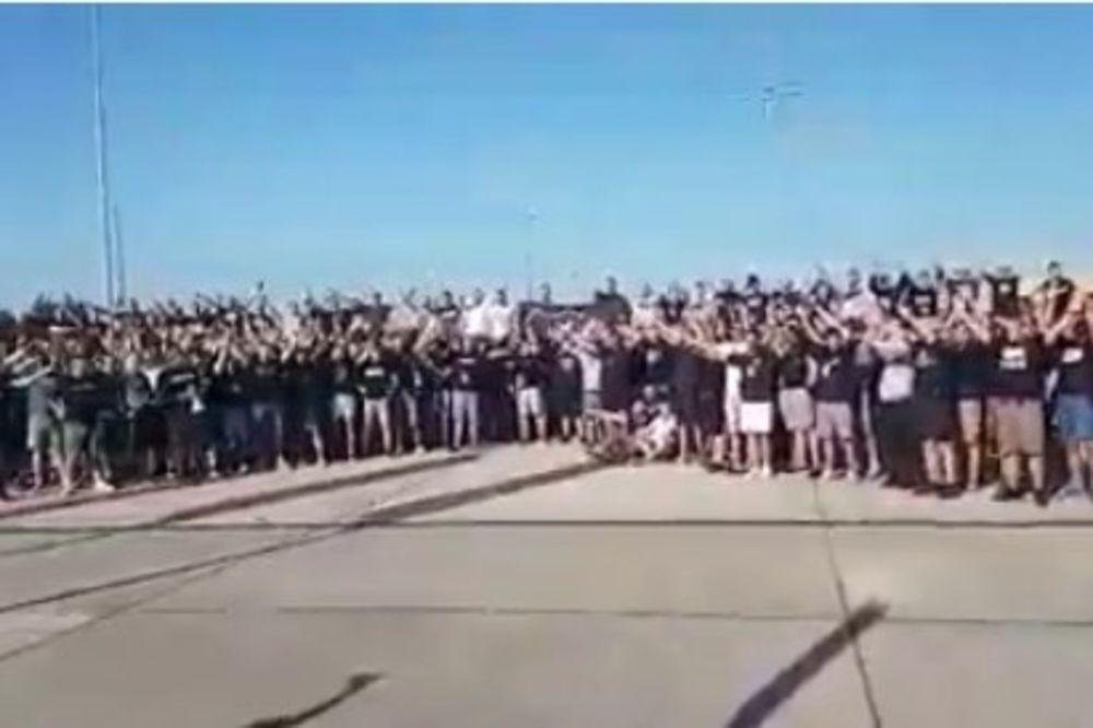 (VIDEO) POLJSKA STRAHUJE OD GROBARA: Oko 1.000 navijača Partizana uputilo se u Lubin