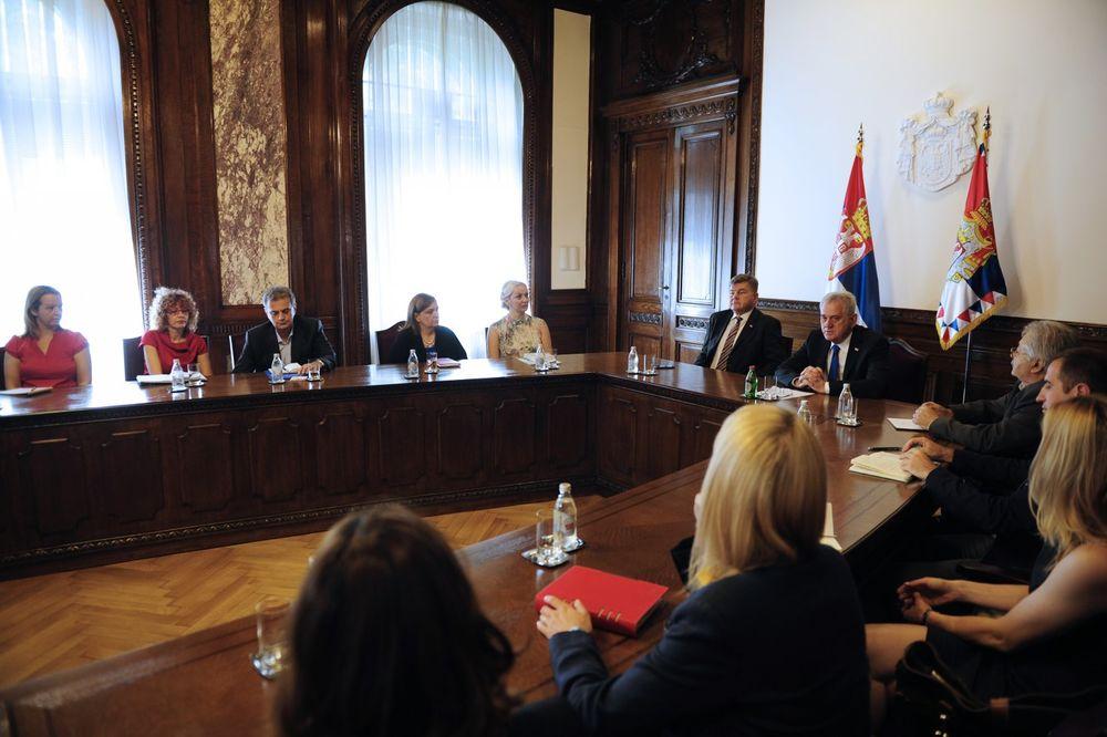 NIKOLIĆ SA PRIVREDNICIMA KOJI PUTUJU U UAE: Nastupite kao tim, vaš uspeh je i uspeh Srbije