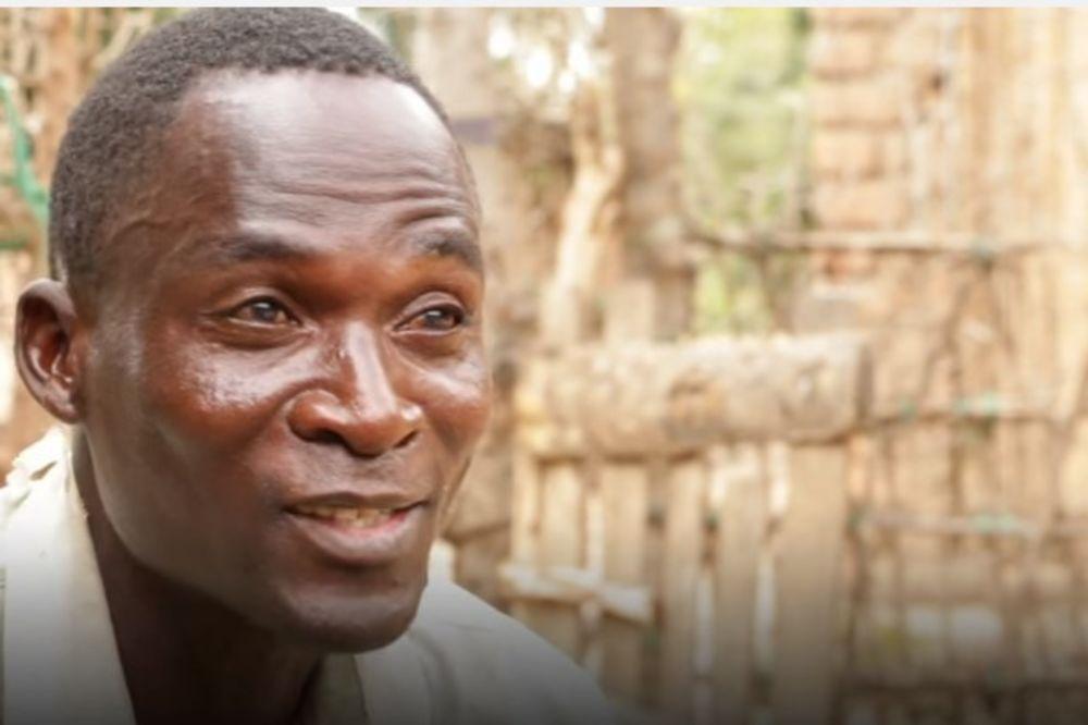 (VIDEO) ZOVU GA HIJENA: Zaražen je HIV-om i plaćaju ga da ima seks sa devojčicama
