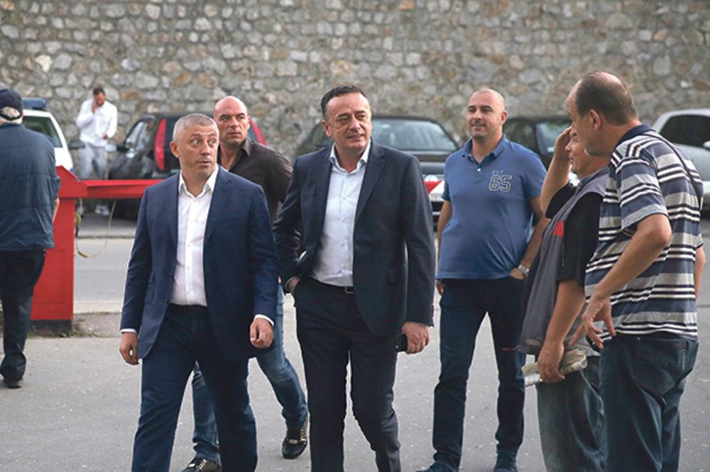 DRUG KOKEZA: Predsedniku FSS salutiraju u Zvezdi i Partizanu