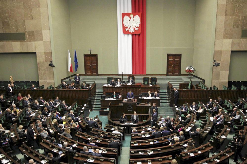 UKRAJINCI IZVRŠILI GENOCID NAD POLJACIMA: Parlament u Varšavi oglasio se o pokolju tokom rata!
