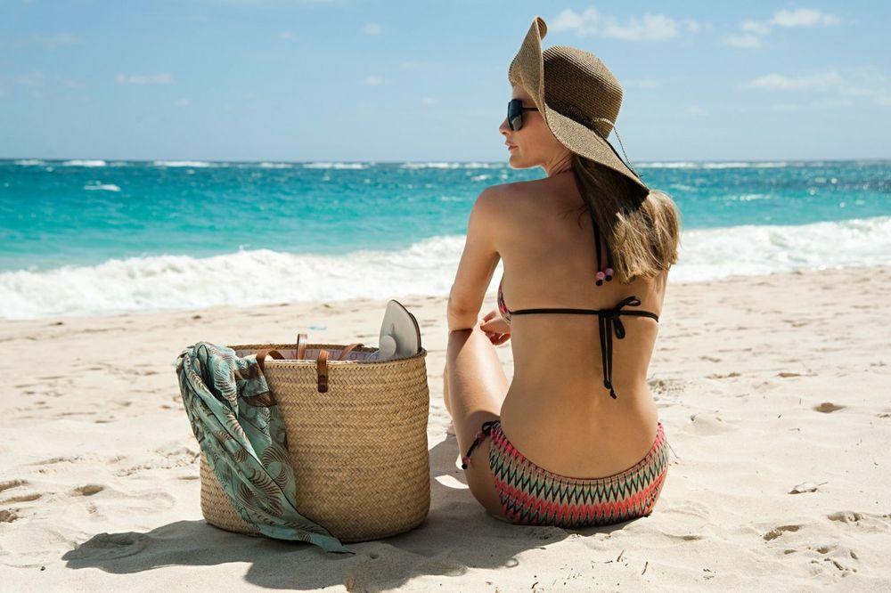 Žena, putovanje, plaža, more, Foto: Profimedia