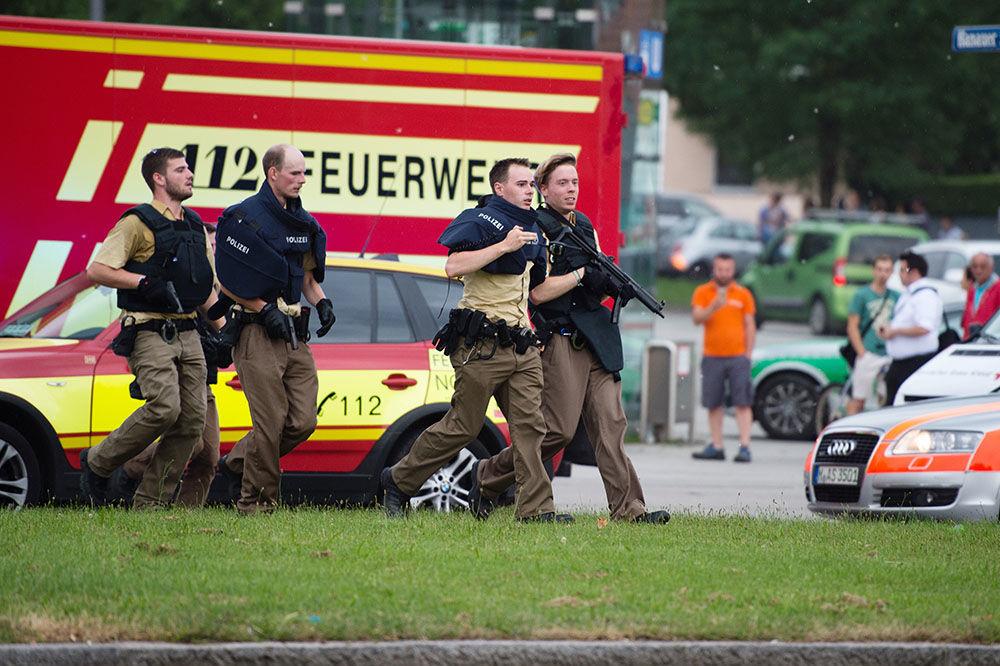 OBRT U MINHENU: Policija uverena da je ubica u tržnom centru delovao sam