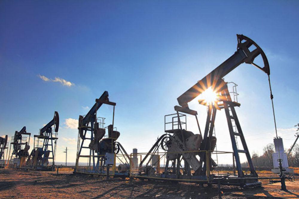 BERZE: Nafta poskupela zbog pada dolara