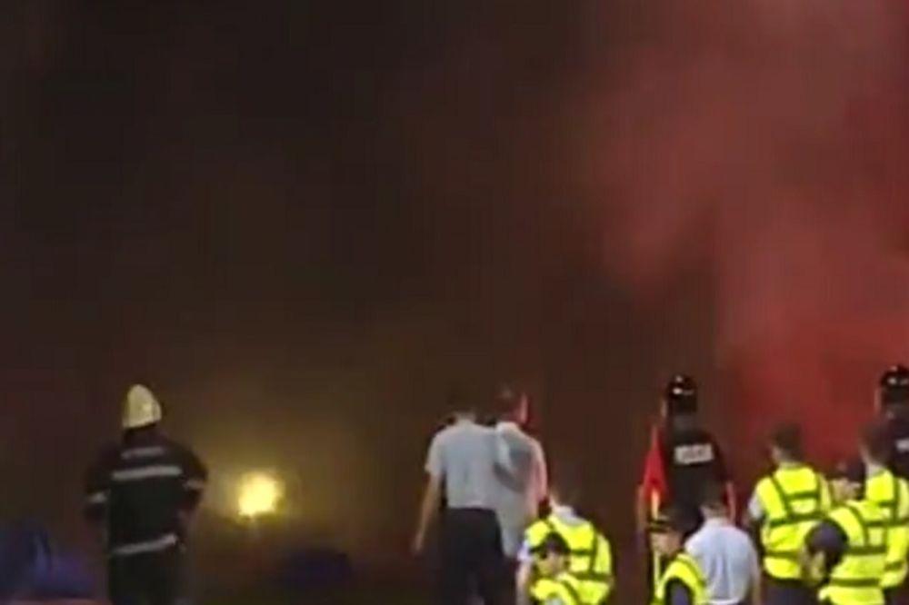 (VIDEO) HAOS NA GRBAVICI: Pogledajte zašto je sarajevski derbi bio prekinut 16 minuta