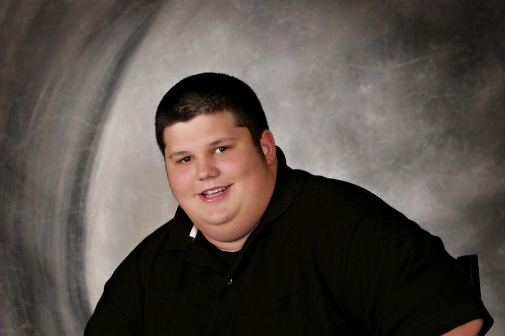 NIJE MOGAO DA SEDI U ŠKOLSKOJ KLUPI Imao je 206 kg a evo kako danas izgleda samo zbog jedne rečenice