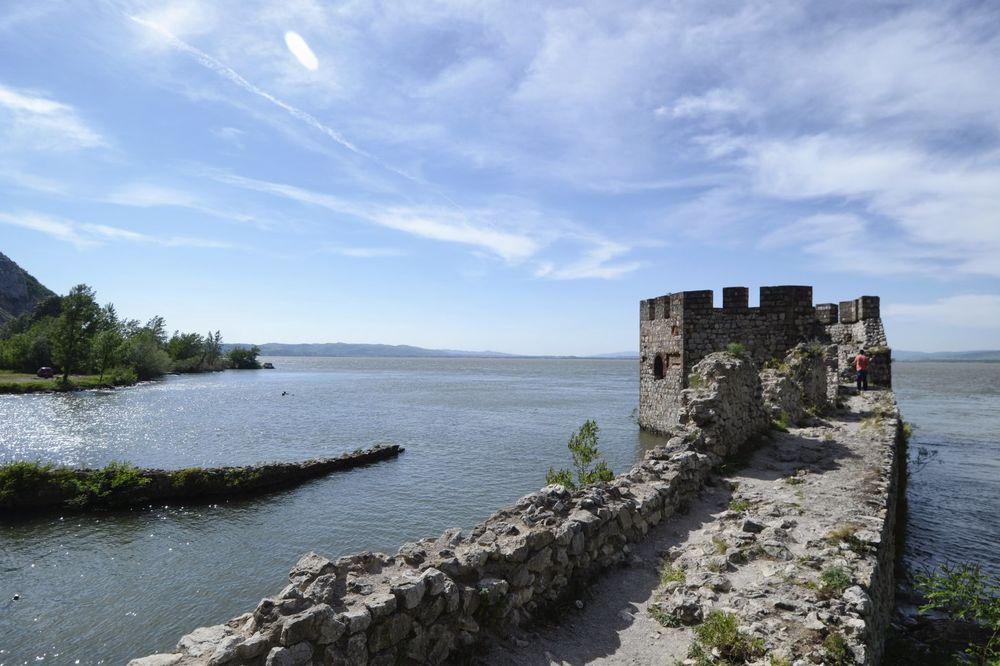 Isplivao leš u Dunavu kod Golupca