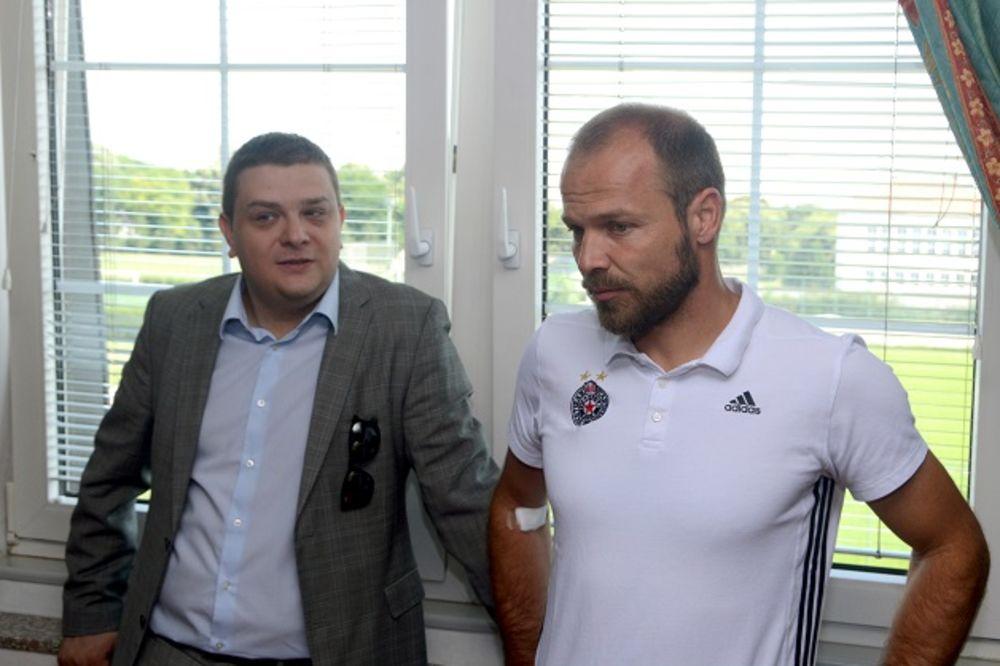 (VIDEO) BEZ PROMENA U HUMSKOJ: Tomić ostaje trener Partizana uprkos katastrofalnom startu sezone