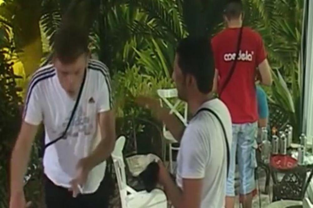 (VIDEO) BURAN DAN U MALDIVIMA: Učesnici se polivali i tukli, a sve zbog...
