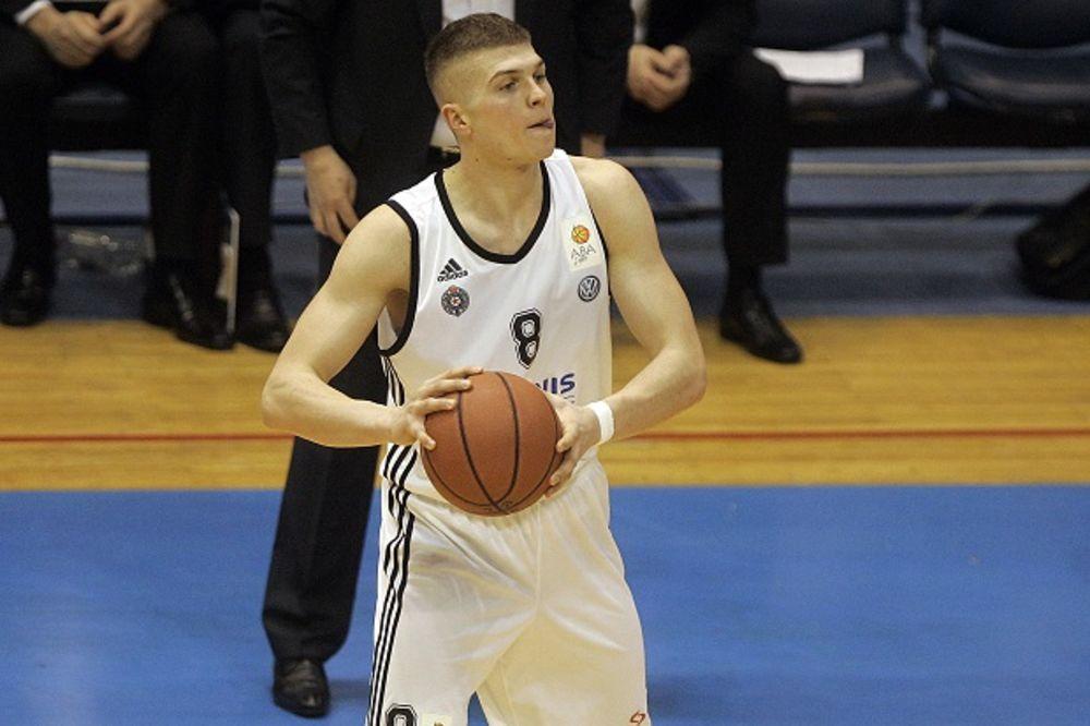 NEMA KRAJA EGZODUSU IZ HUMSKE: Još dvojica košarkaša napustila Partizan