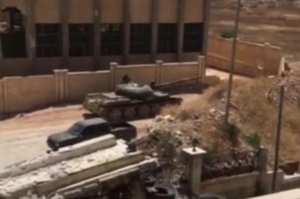 (VIDEO) OVAKO BIJU ASADOVI TENKOVI: Sirijska armija uništila u sekundi leglo džihadista u Alepu
