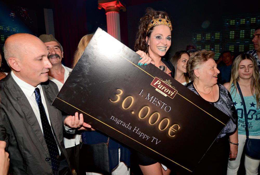 VELJKOVIĆEVA NAŠLA REŠENJE ZA SVOJ PROBLEM: Ružica u Parovima zbog duga od 40.000 evra! (FOTO)