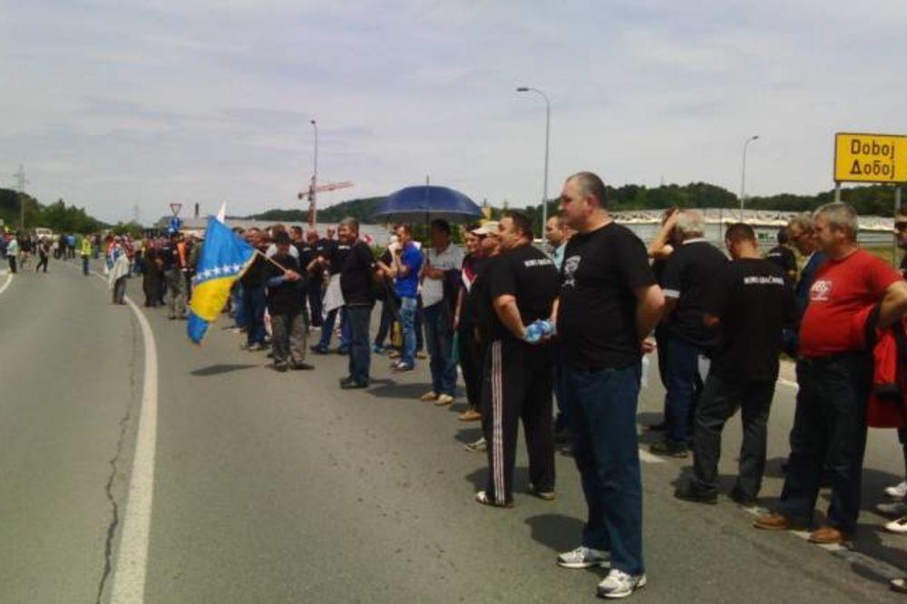 DIGLI SE BORCI FBIH: Blokirali granice, prete da će zatvoriti sve glavne puteve