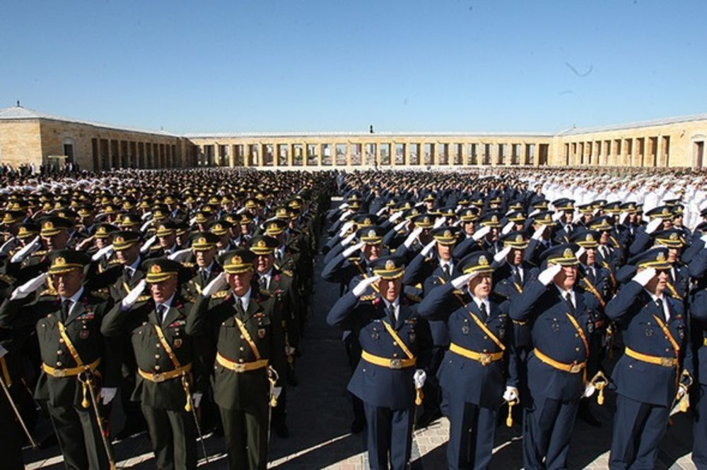 ČISTKA JOŠ NIJE GOTOVA: U pokušaju puča u Turskoj učestvovao 8.651 vojnik!