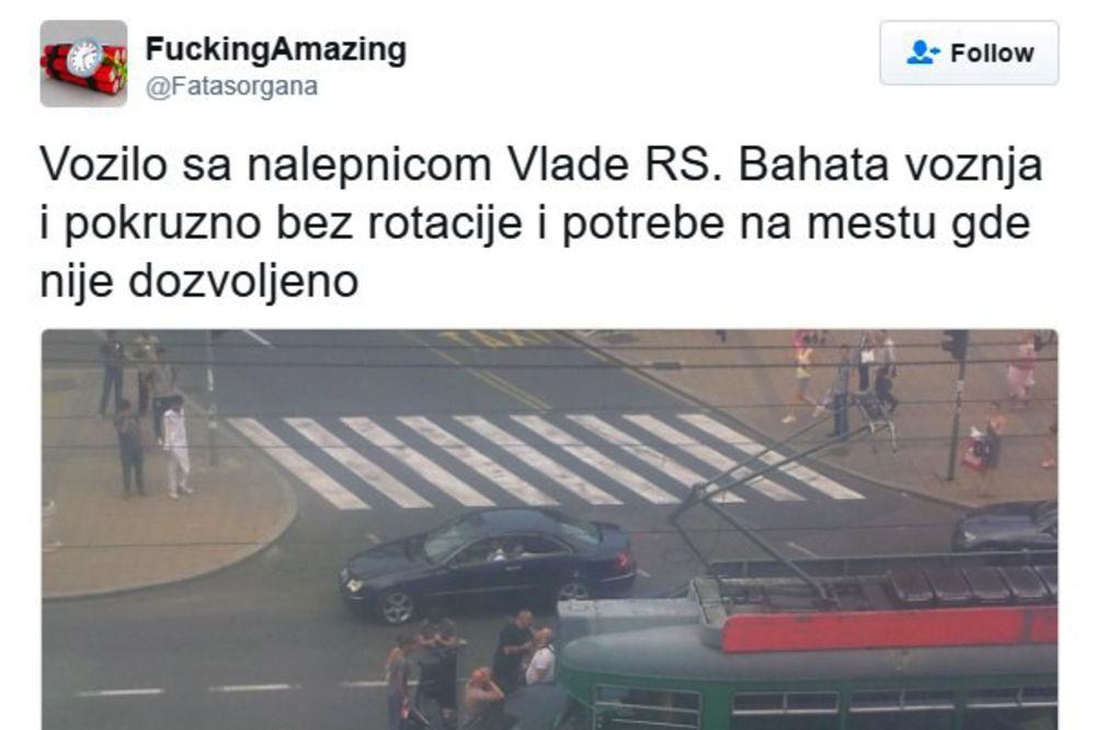 NALEPNICU VLADE KUPIO NA PIJACI: Funkcioner SPS divljao po Beogradu pa se zakucao u tramvaj