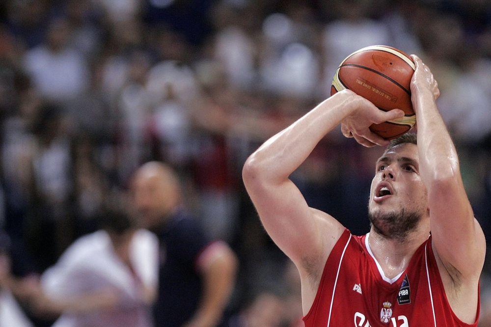 (FOTO) NEMA DALJE: Srpski košarkaš slikovito objasnio šta mu smeta u Argentini