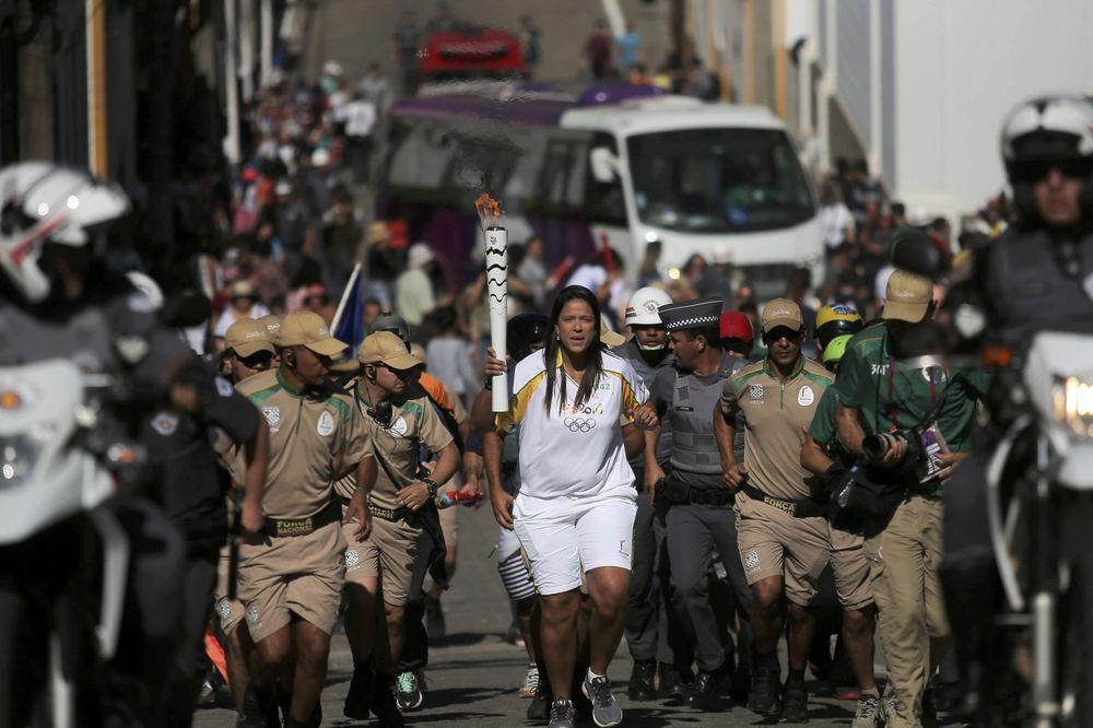 (VIDEO) SKANDAL U BRAZILU: Domaćini ukrali Olimpijski plamen?